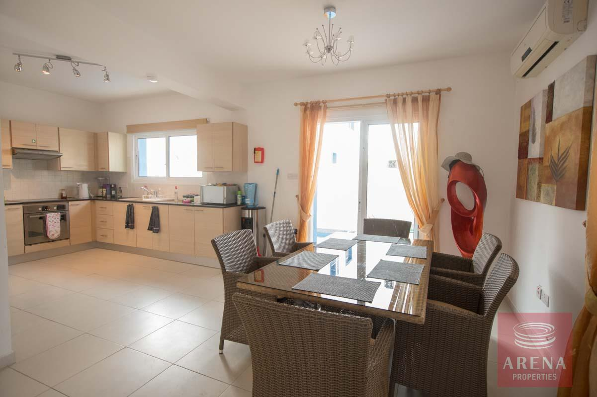 3 bed villa for sale in Kapparis - dining area