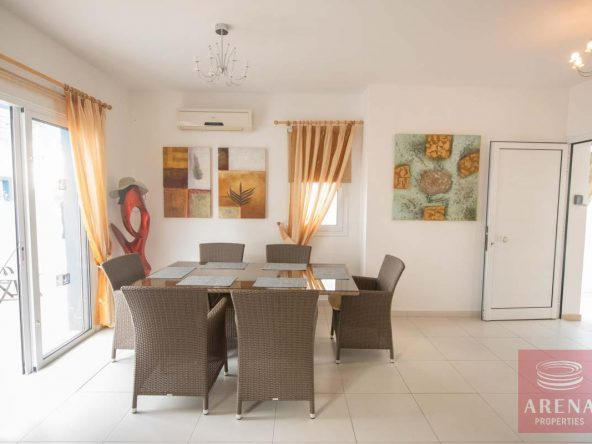 7-3-bed-villa-for-sale-in-kapparis-5882