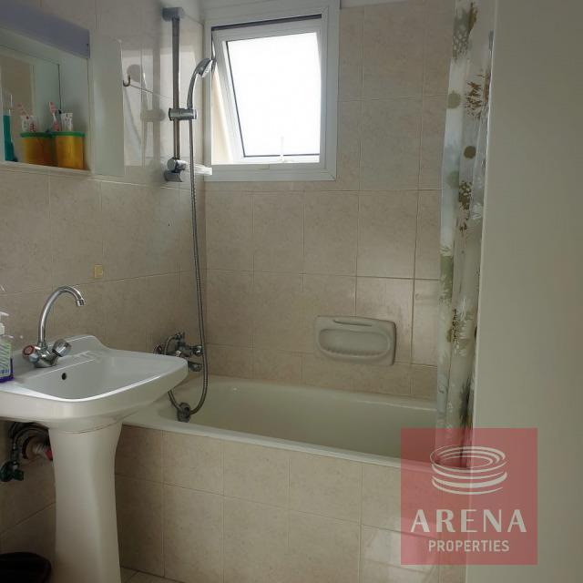 2 bed flat in Kapparis - bathroom