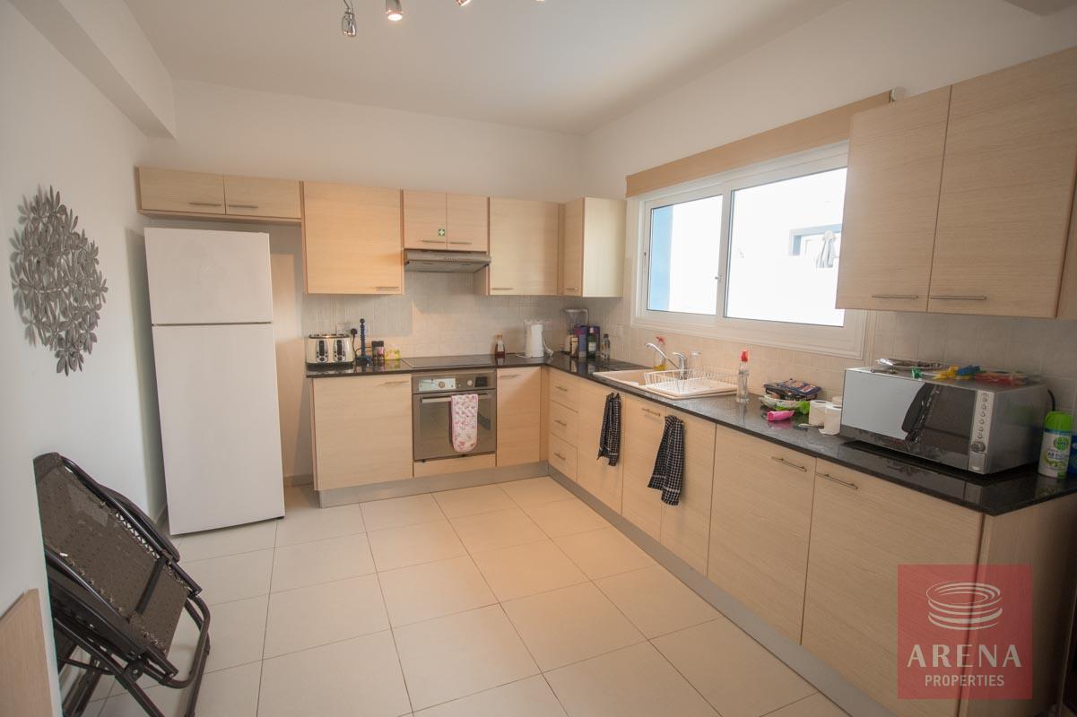 3 bed villa for sale in Kapparis - kitchen