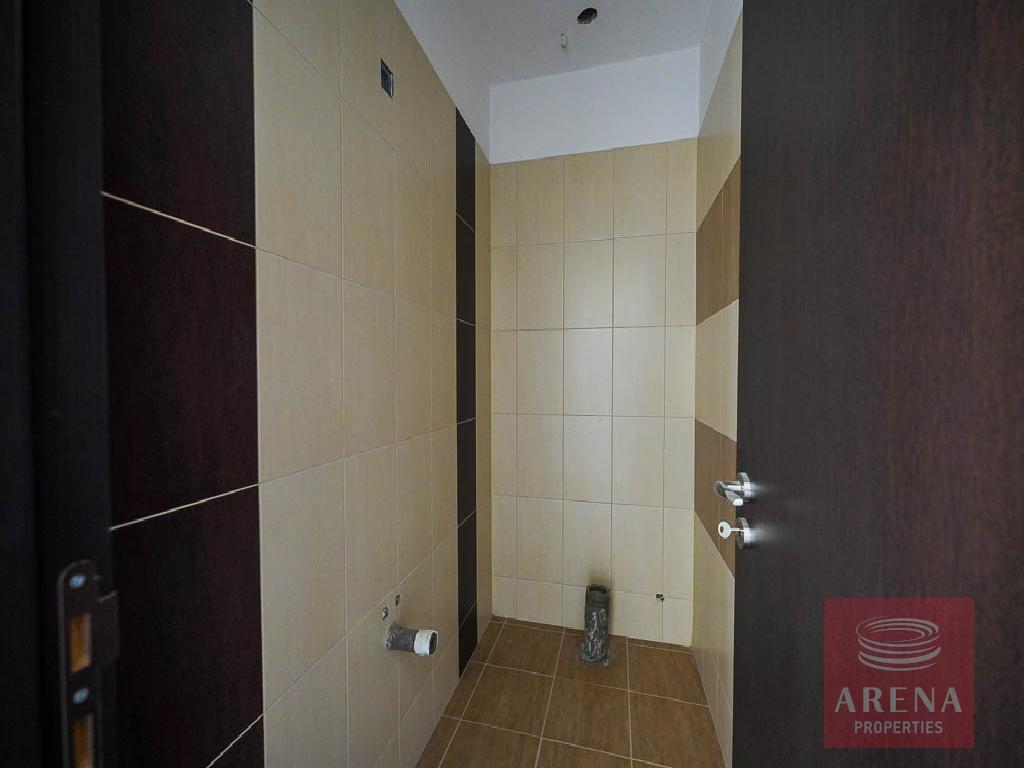 Incomplete apartment in Aradippou - guest wc